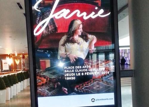 2014-02-06 Janie Renee PDA Les valises